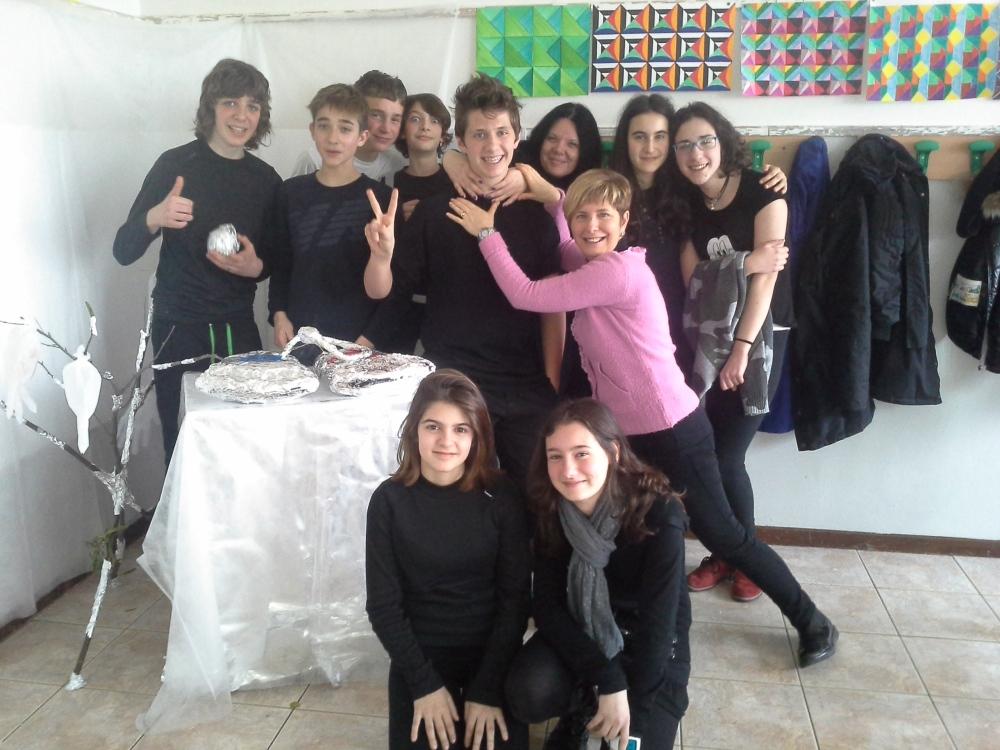 Da sn a ds (sia in piedi che seduti) gli Slaffiani: Alessandro, Simone, Alberto, Arianna, Lorenzo, Barbara, Claudia, Federica, Asia, Alessia e Arianna.